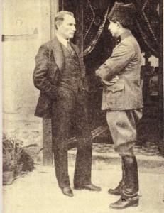 İsmet İnönü 2. İnönü Savaşından sonra Mustafa Kemal Atatürk ile beraber