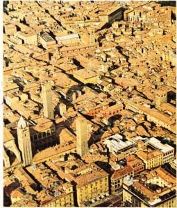 Bologna'nın Ortaçağ kenti görünümünü korumuş bir kesiti