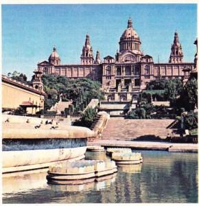 Rönesans üslubu etkisinde, Dorber tarafından Barselona'da gerçekleştirilmiş olan Sergi Sarayı (1929)