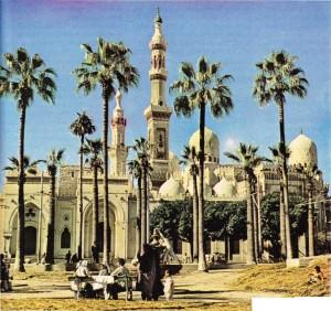 İskenderiye'de yan yana inşa edilmiş tarihi iki cami