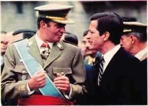 Kral Juan Carlos 1976 yılında Adolfo Suarez ile birlikte