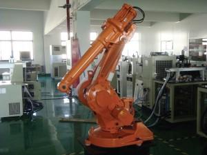 sanayide kullanılan robot