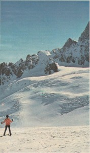 Chamonix'de karlarla kaplı Blanche vadisi.