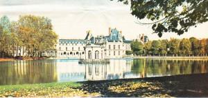 Yapımına François I döneminde başlanan ve Fransa'nın en güzel krallık saraylarından biri olan Fontainebleau şatosu.