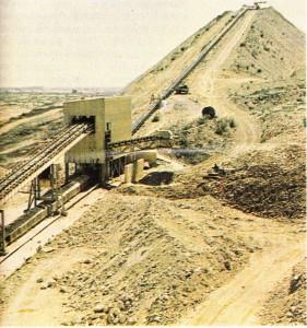 Senegal'de Thies'in kuzeyinde Tayba fosfat yatağı.