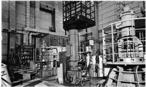 Bir gram uranyum çekirdeğinin parçalanması, 3 ton kömürün yanması kadar enerji açığa çıkarır. Resimde Phenix reaktörü görülmektedir.