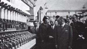 devletçilik atatürk fabrika gezerken