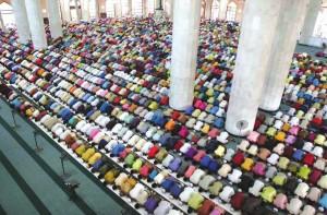 teravih namazı camide
