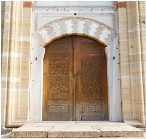 ahşap süslemeciliği cami kapısı