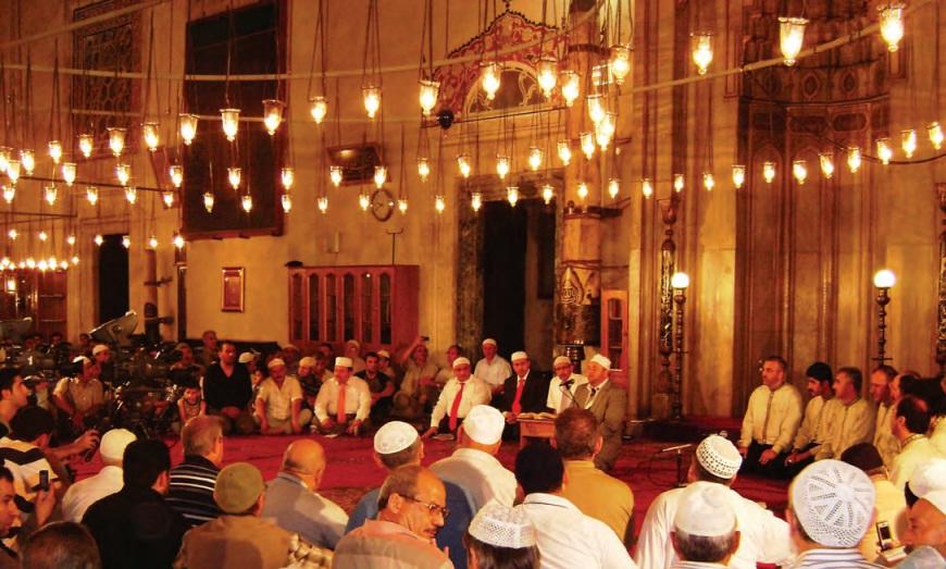 kandil gecelerinde müslümanlar biraraya gelir